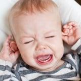 赤ちゃん 泣く かゆい 耳 頭