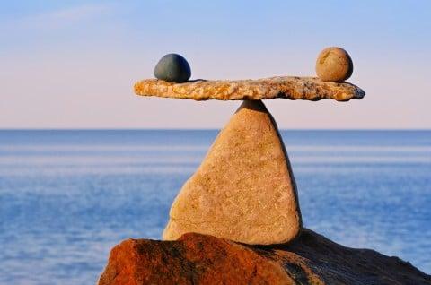 石 海 やじろべえ バランス 秤 平均 天秤