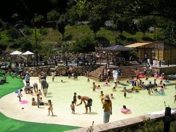 要出典 西山公園 じゃぶじゃぶ池