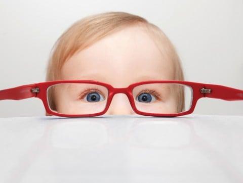 赤ちゃん 眼鏡 子供 目