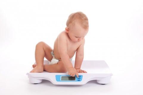 赤ちゃん 体重計