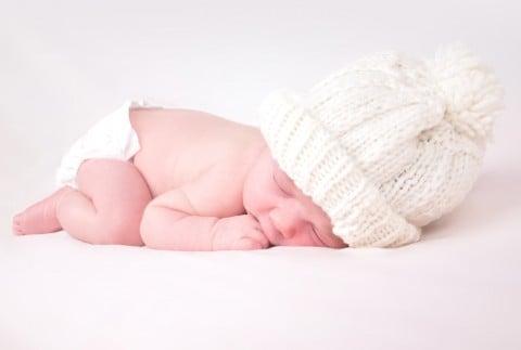 赤ちゃん うつぶせ 寝る