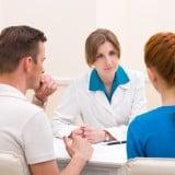 診察 受診 夫婦 カップル 不妊 相談 医師 病院
