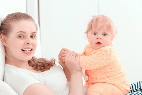 赤ちゃん 新生児 ママ 抱っこ びっくり