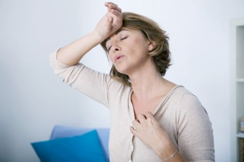 女性 更年期 ほてり 体調不良 暑い 高齢