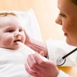 赤ちゃん 病院 医師 喉 検査 痰