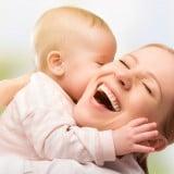 ママ 抱っこ 赤ちゃん 喜び 楽しい 元気 健康