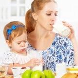赤ちゃん ママ 牛乳