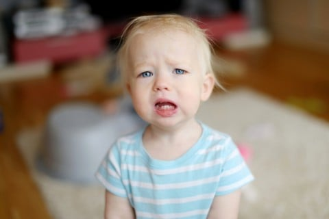 赤ちゃん 泣く 子供 泣き顔 痛い 悲しい 不安