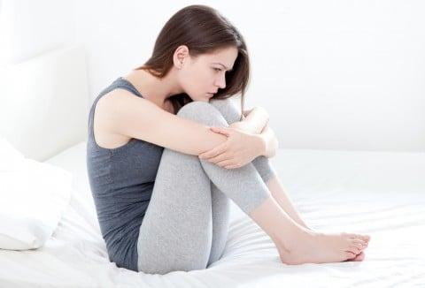 女性 悩み つらい 苦しい 不安