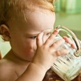 赤ちゃん コップ 牛乳