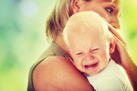赤ちゃん 泣く 痛い