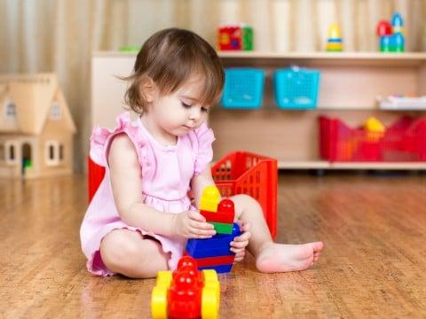 赤ちゃん 遊び 室内 おもちゃ