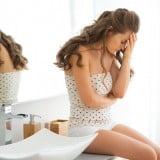 女性 洗面所 トイレ 悩み 困る 困惑 不安 つらい