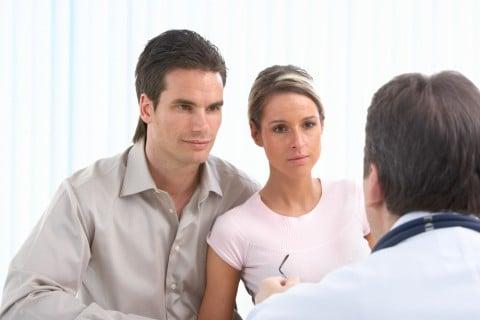 男女 カップル 検査 受診 不妊検査 不妊治療