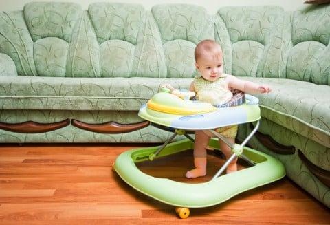 赤ちゃん 歩行器