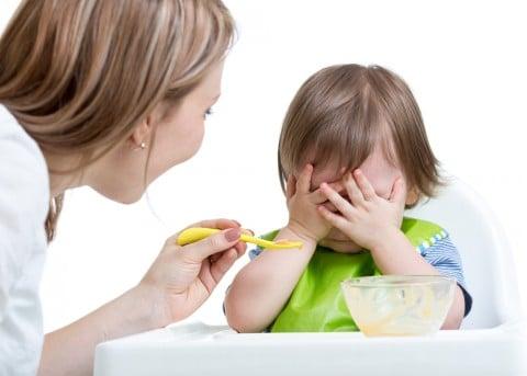 赤ちゃん 離乳食 いや ママ 嫌がる