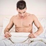 男性 ベッド 疑問 謎 驚き ショック 不妊