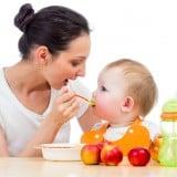 赤ちゃん 離乳食 ママ 食事 ごはん りんご