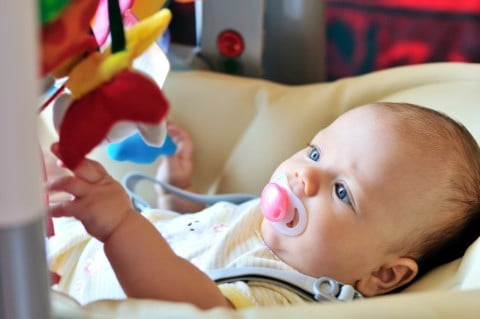 赤ちゃん 一人遊び おしゃぶり メリー ベビージム