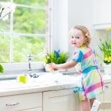 子供 洗面 手を洗う お手伝い キッチン