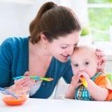 離乳食 赤ちゃん ママ 食事 食卓