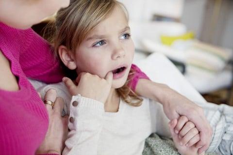 子供 口 痛い 違和感 親子