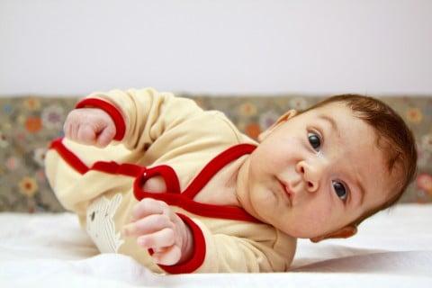 赤ちゃん 反り返り