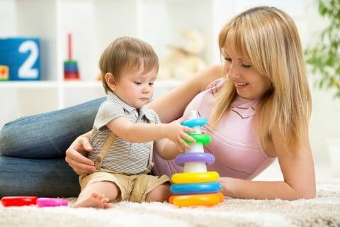 親子 遊び 室内 部屋 ママ 赤ちゃん 子供