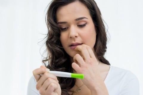 女性 妊娠検査薬 驚き