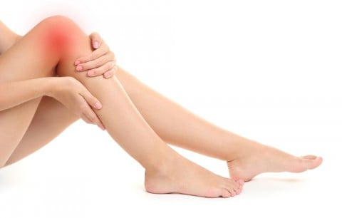 ひざ 痛み 痛い 女性 脚 足