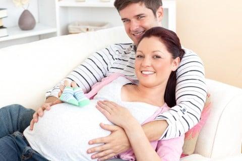 カップル 男女 夫婦 妊婦