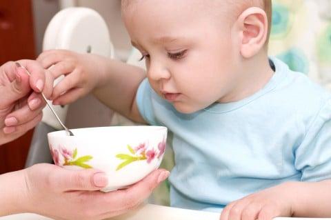 赤ちゃん ごはん 離乳食 スプーン