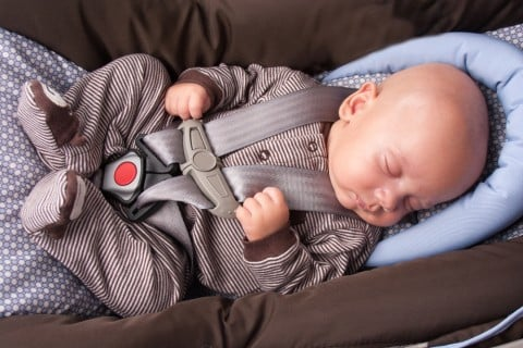 新生児 赤ちゃん チャイルドシート 車