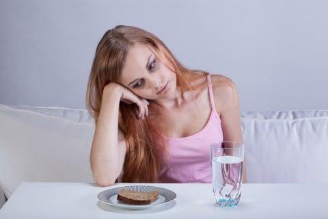 女性 食欲不振 体調不良 食事