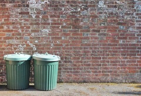 ゴミ箱 ゴミ 捨てる