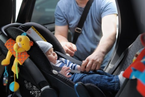 チャイルドシート 車 赤ちゃん