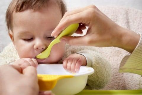 赤ちゃん 離乳食 食べる 食事 ごはん