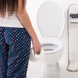 女性 便秘 トイレ