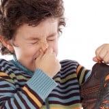 子供 足 臭い 匂い 靴