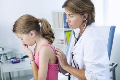 子供 病気 診察 咳
