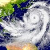 台風 嵐 天気図