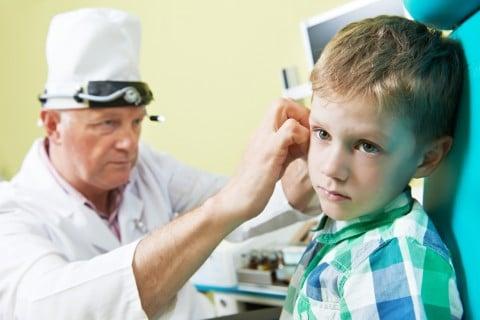 耳鼻科 子供 病院 男の子