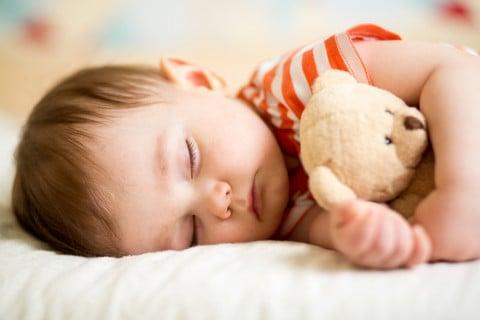 赤ちゃん 寝る ねんね ぬいぐるみ