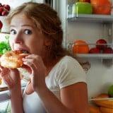 女性 食欲 冷蔵庫 食べる