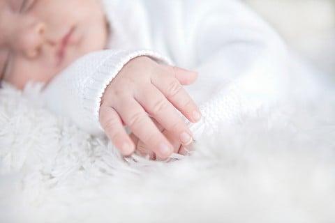 新生児 ねんね 寝る