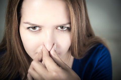 女性 鼻 臭い