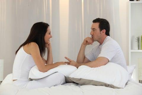 カップル ベッド 夫婦 相談