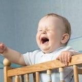 赤ちゃん 泣く 夜泣き
