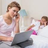 電話 救急車 女性 親子 子供 病気